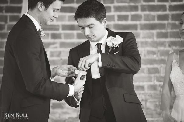 wedding-cooling-castle-barn-leah-richard-16