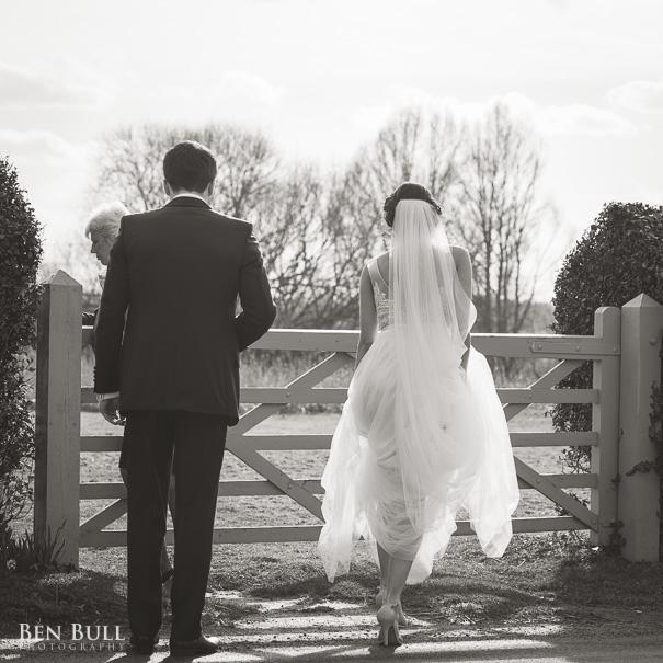 wedding-cooling-castle-barn-leah-richard-28